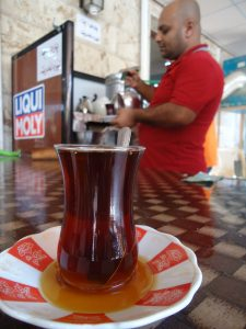 While many choose to focus on divisions in Iraq, they often ignore what is shared among Iraqis, like the simple pleasure of tea.